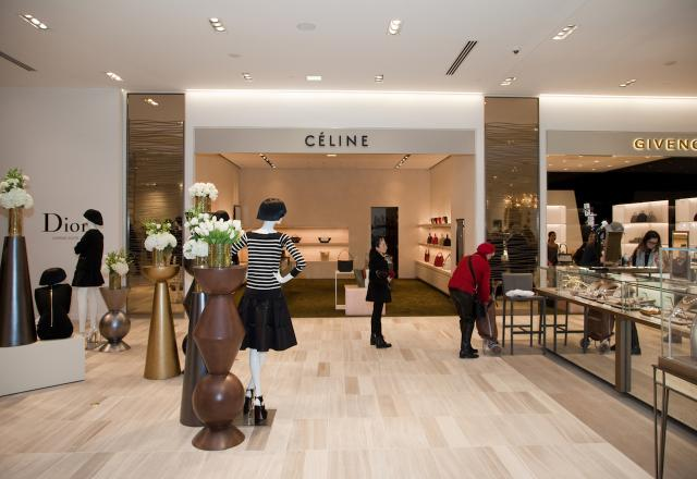 saks fifth avenue case study I was asked to complete case study within 24 hours create a new customer acquisition plan for store  i interviewed at saks fifth avenue  saks interviews.