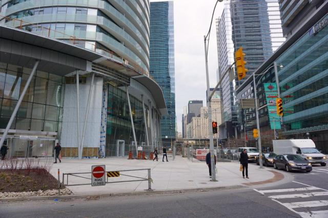 Ice Condos, architectsAlliance, Cadillac Fairview, Lanterra, Toronto