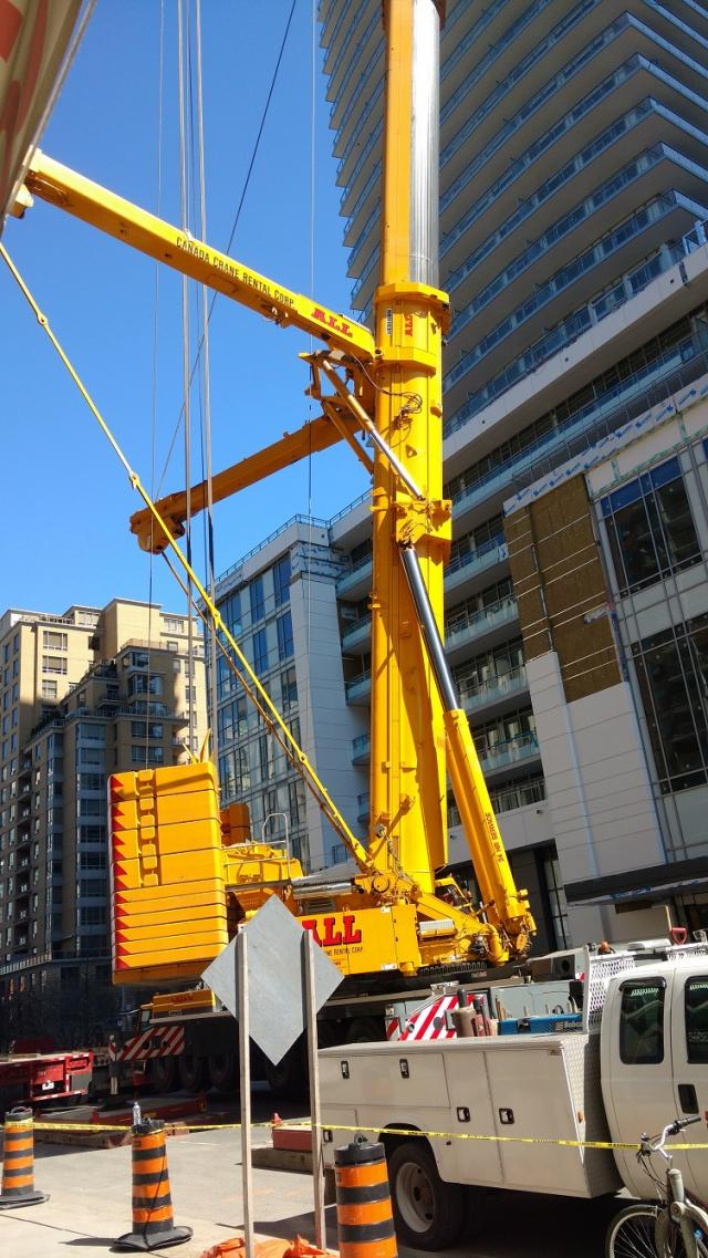 Mobile Crane Apprentice Jobs Canada : Giant mobile crane removes tower at the madison
