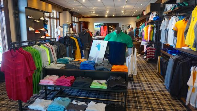 The pro shop at the Fox Harb'r clubhouse is local right by 'The Wllard' pub