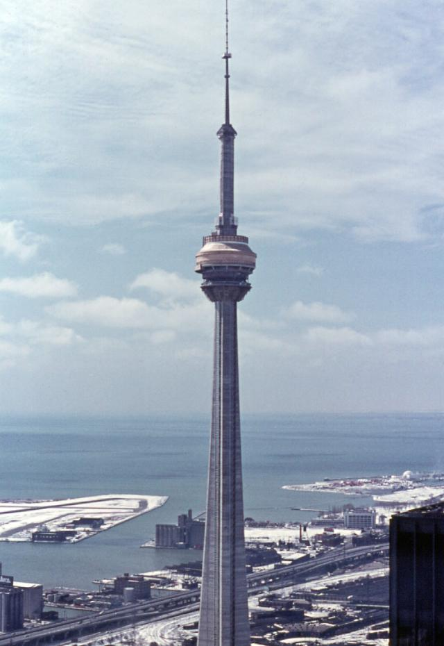 Construction of the CN Tower in 1975, WZMH, Robert Taylor, Metro Centre