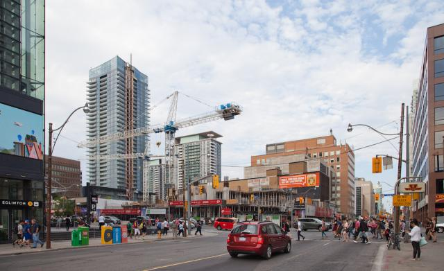 Photo of the Day, Toronto, Yonge Eglinton