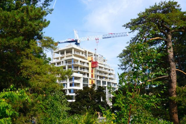 The High Park condo, 1990 Bloor West, North Drive Investments, Quadrangle