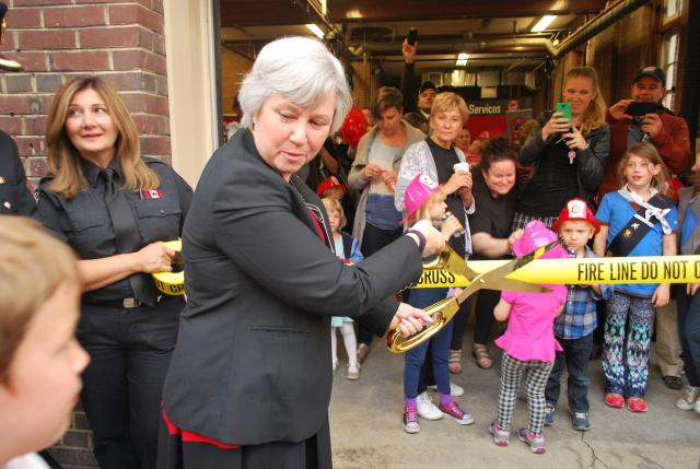 Councillor Sarah Doucette cuts the ribbon, Toronto Fire Station 424 Runnymede