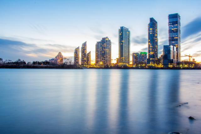 Humber Bay Shores skyline, image by Flickr user Hồng Tiến