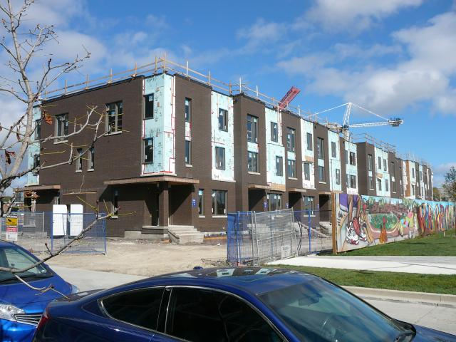 Block 28 townhomes in October 2016, image by UT Forum contributor PMT
