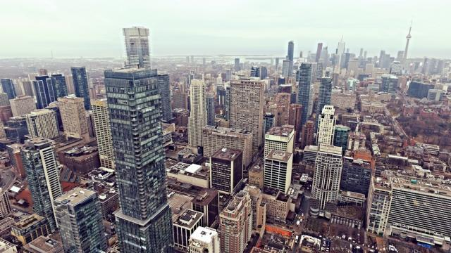 Aerial view of Toronto, image by UT Forum contributor Jasonzed