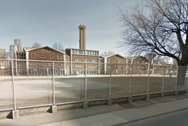 The Davisville Junior Public School building, image via Google Maps