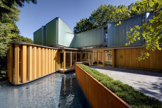Integral House in Toronto's Rosedale neighbourhood, image courtesy of hotdocs.ca