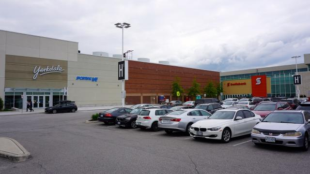 Yorkdale Mall, Toronto, by Oxford Properties
