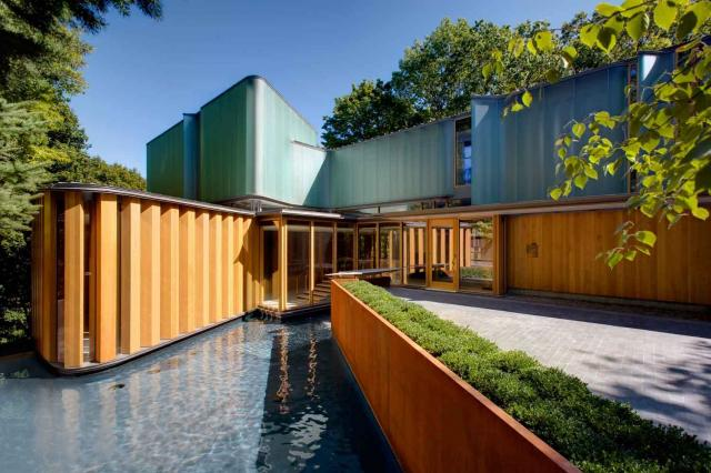 Integral House from street level, image via GAT