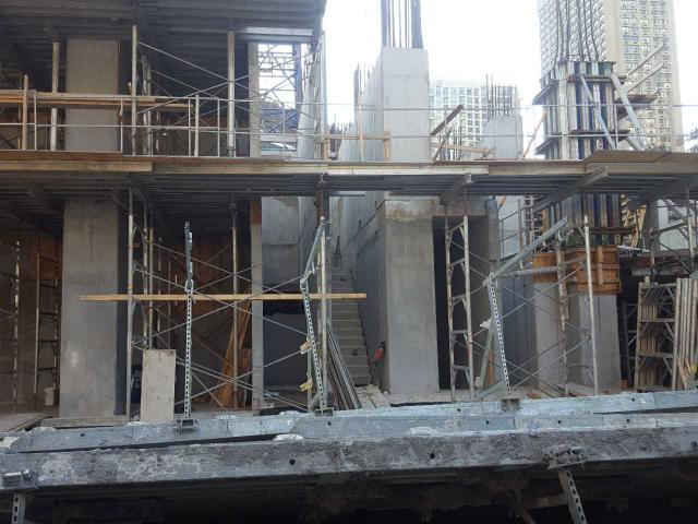 1st level stairwell taking shape at 1 Yorkville, image by Forum contributor will