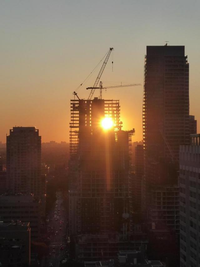 Photo of the Day, Toronto, Wellesley Street, construction, sunset