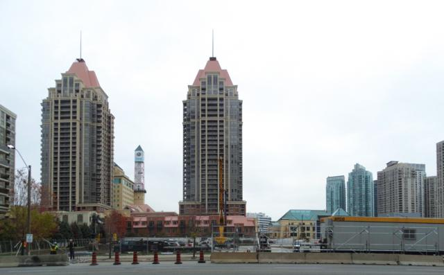Wesley Tower at Daniels City Centre, The Daniels Corporation, Rafael + Bigauskas
