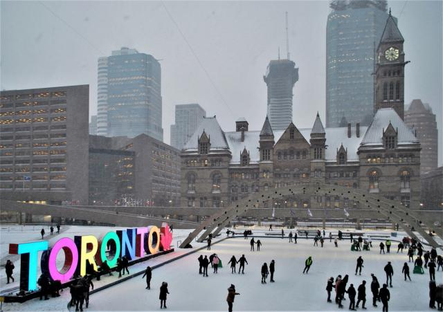 Photo of the Day, Toronto, Nathan Phillips Square, City Hall, Massey Tower