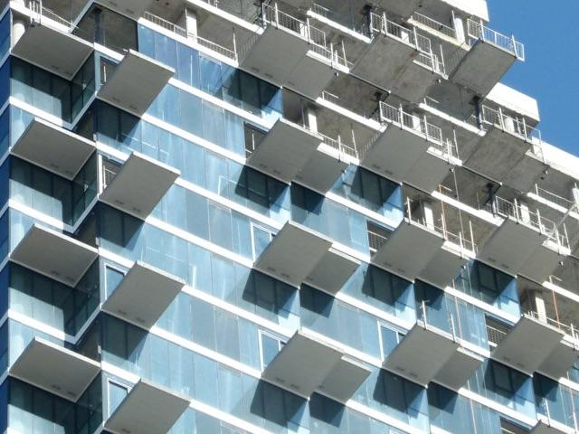 Monde, Toronto, designed by Moshe Safdie and Quadrangle for Great Gulf