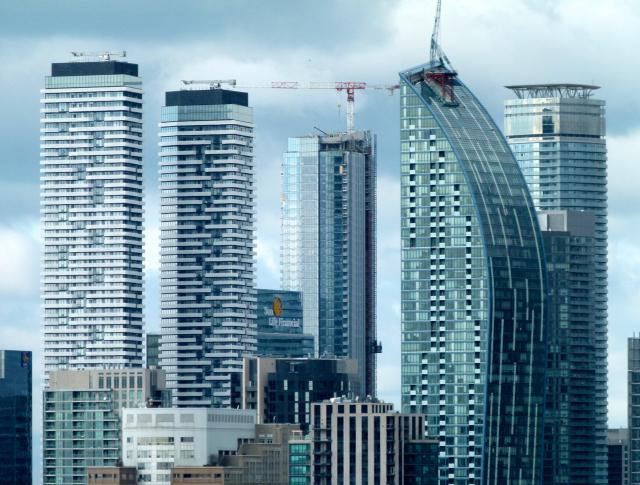 Photo of the Day, Toronto, skyline, condominium towers