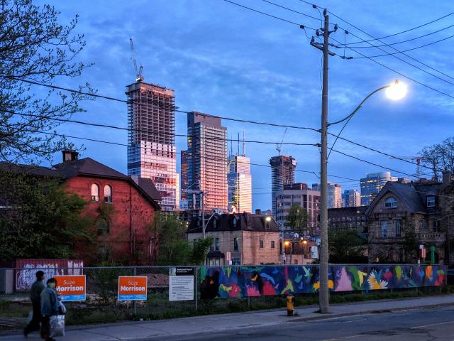 Photo of the Day, Toronto, skyline, Dundas Square Gardens, Pace, Grid, Massey
