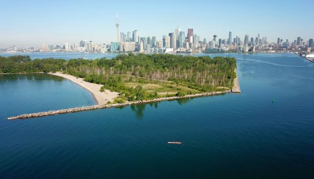 Photo of the Day, Toronto skyline, Ward's Island, Harbour