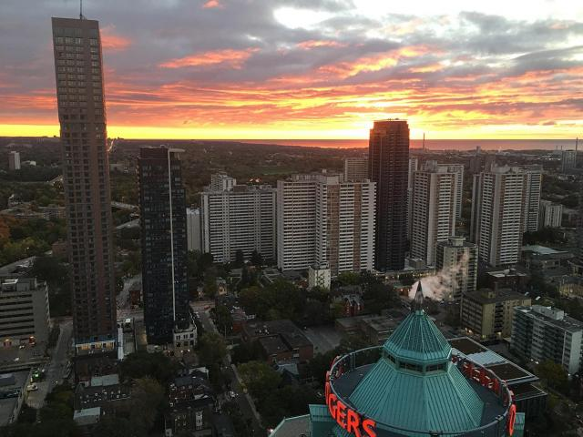 Photo of the Day, Toronto skyline, St. James Town