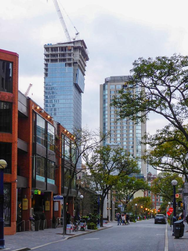 Cumberland at Yorkville Plaza, Camrost-Felcorp, WZMH Architects, Toronto