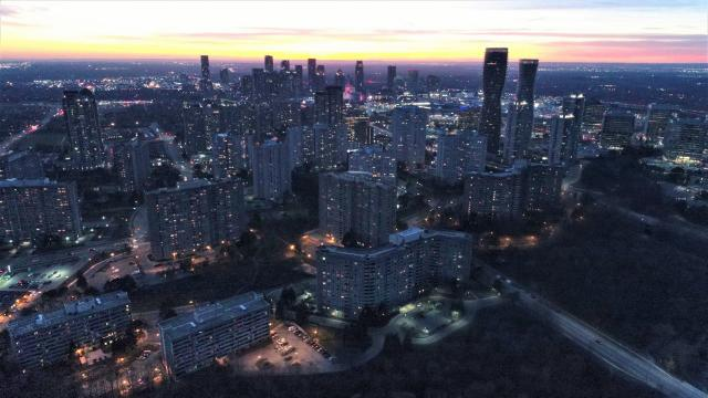 Photo of the Day, Mississauga, Absolute World