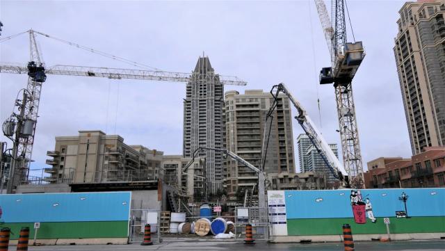 Wesley Tower at Daniels City Centre, The Daniels Corporation, Rafael + Bigauskas