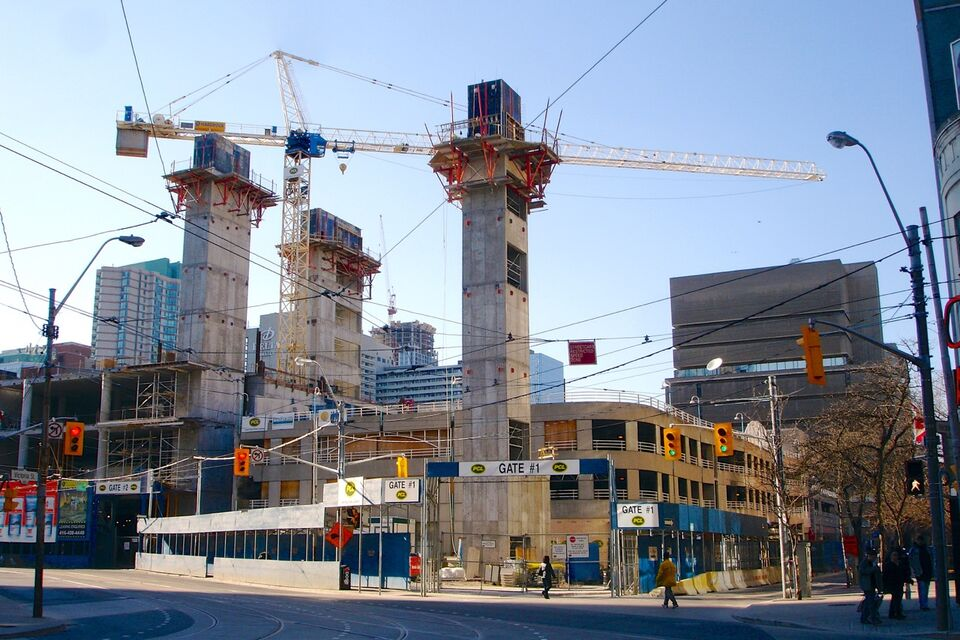 Throwback thursday 10 dundas east urban toronto for Nw construction